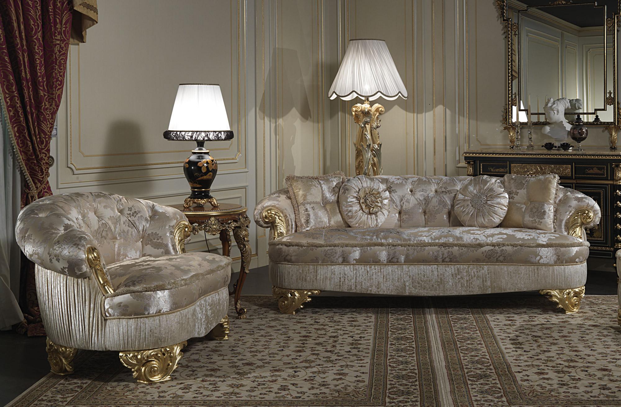 Divani imbottiti di lusso salotto classico parigi for Divani classici in stile