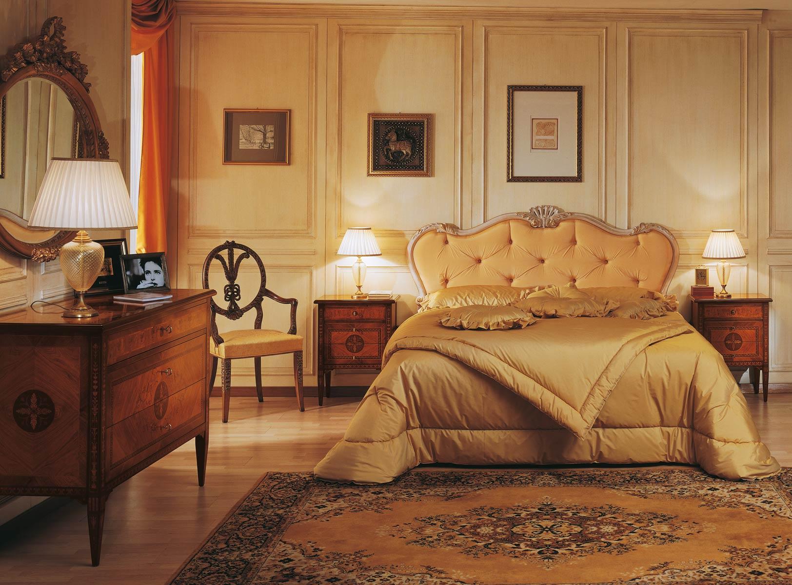 10 - Camera da letto in noce ...