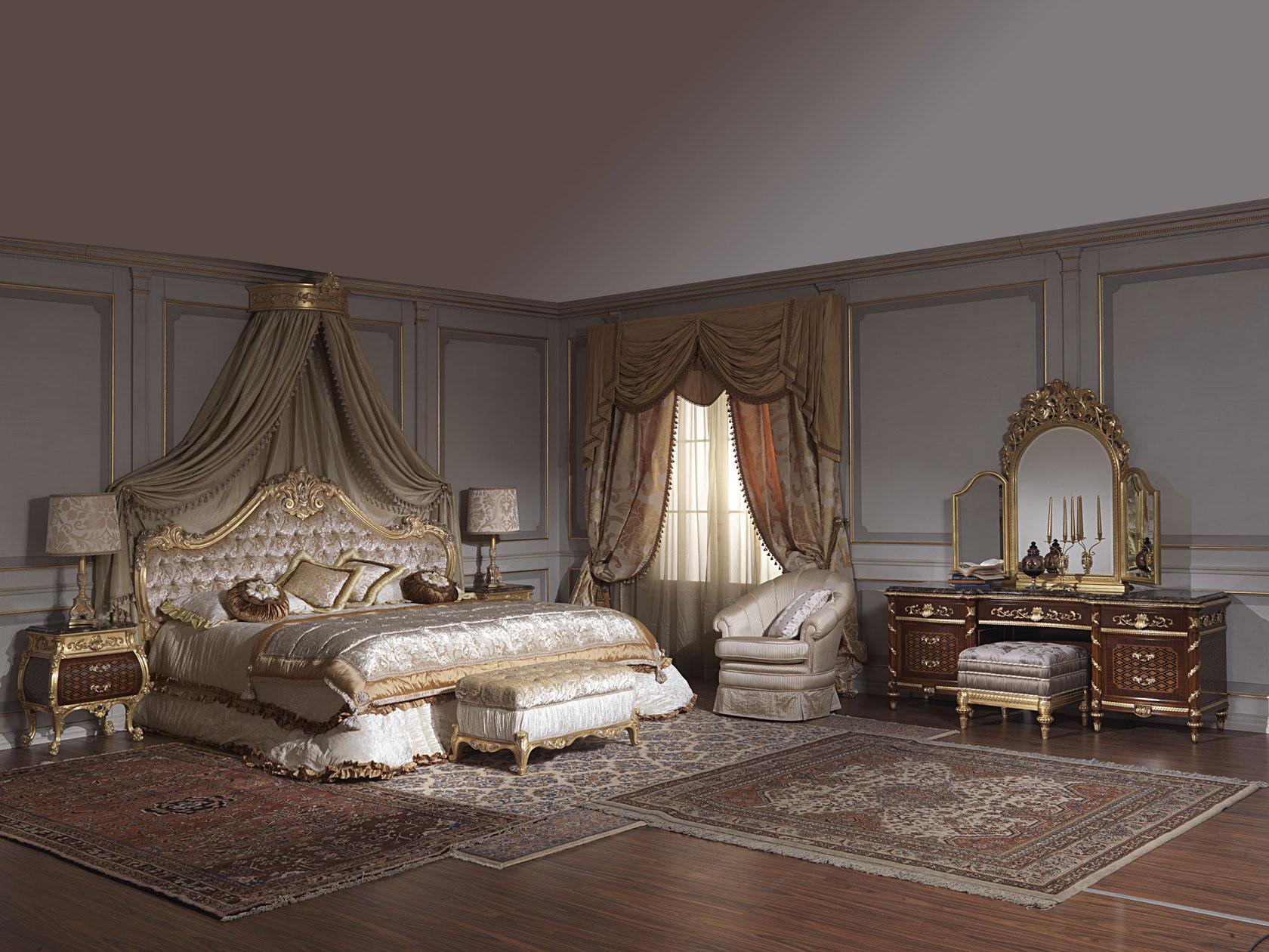 Chambre coucher classique xviiie si cle italien et louis xv for Chambre a coucher capitonne