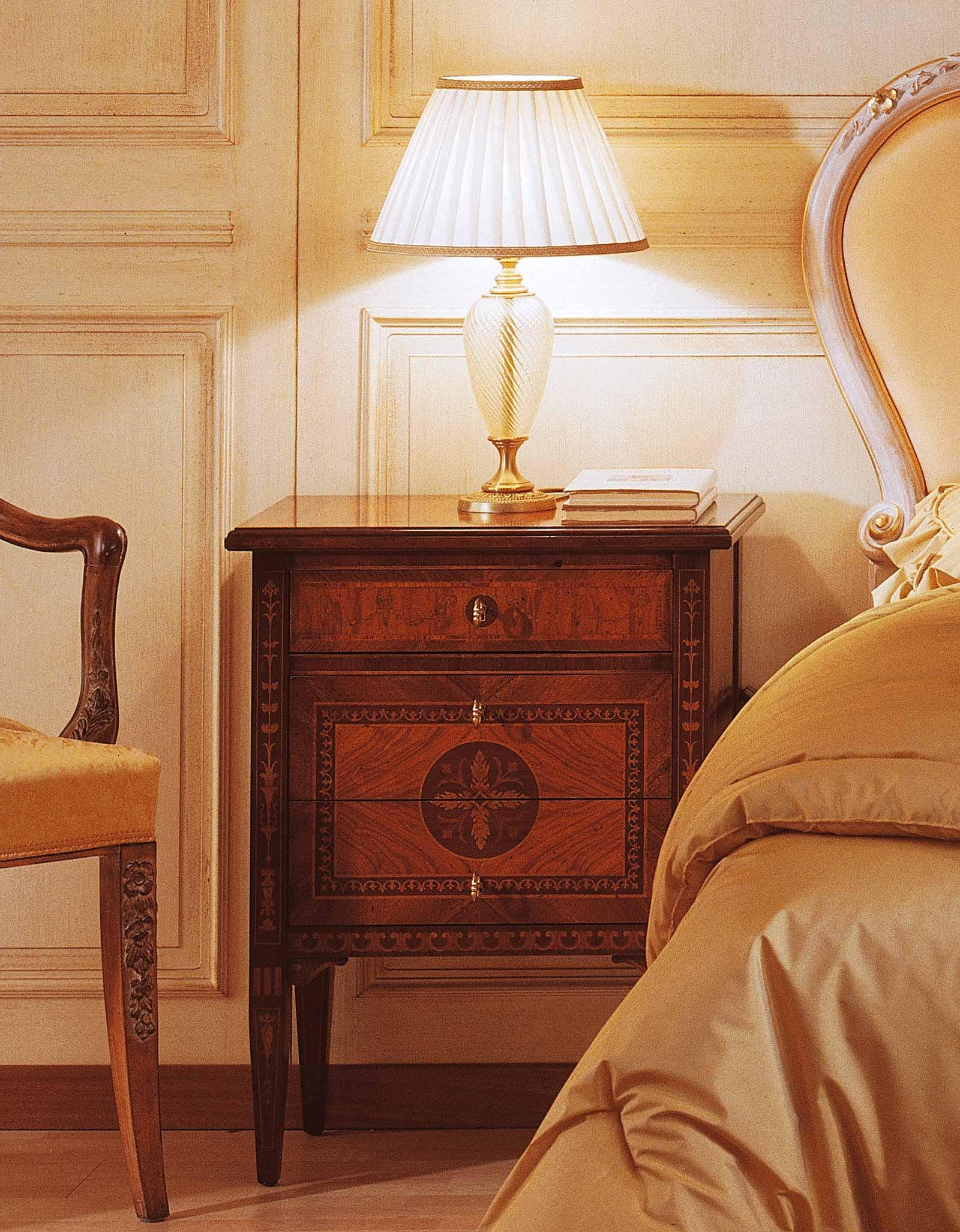 Camera da letto classica in stile i maggiolini comodino in noce e ulivo vimercati meda - Camera da letto in noce ...