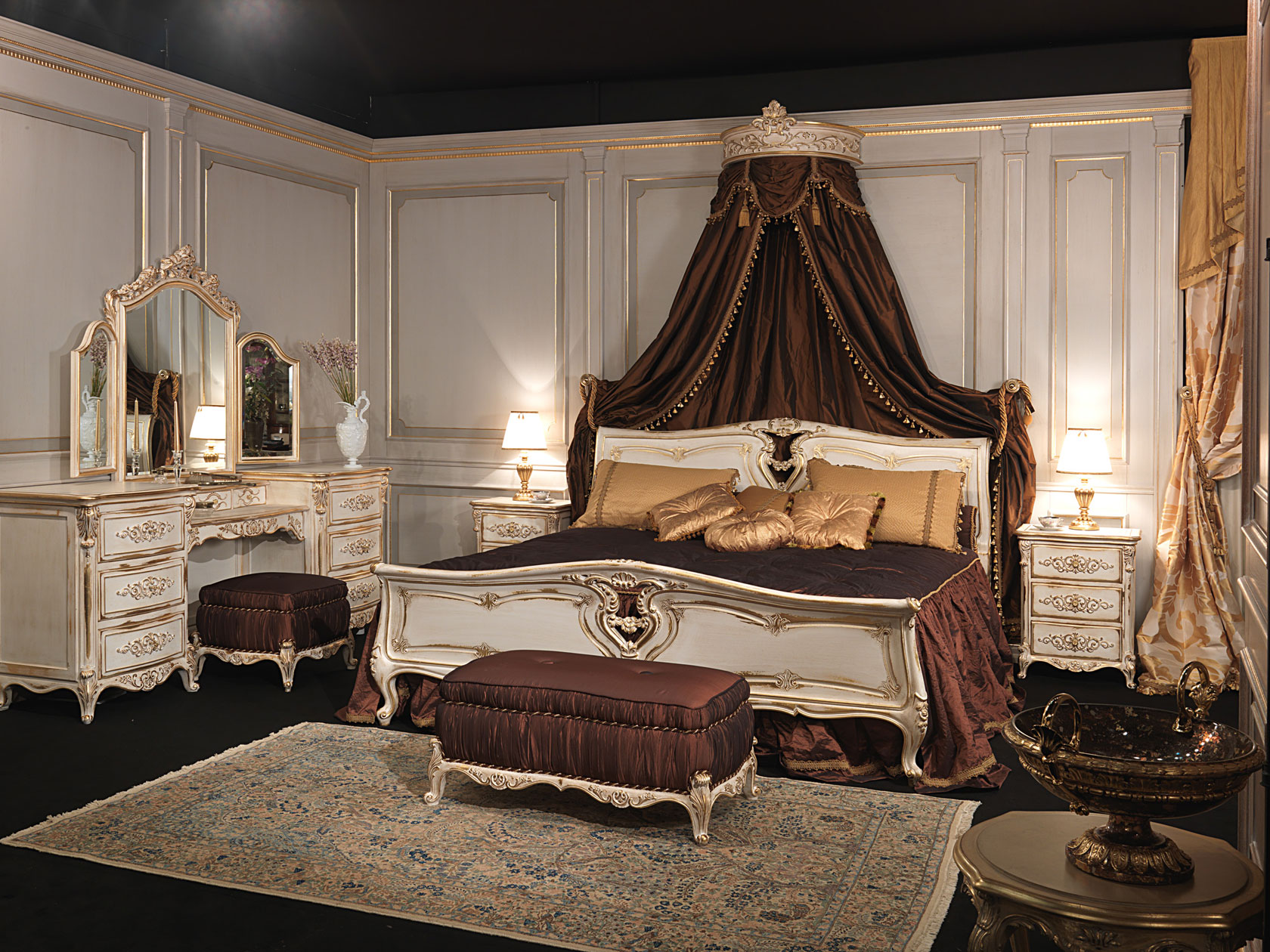 Camera da letto classica in stile luigi xvi letto in for Letto stile arti e mestieri