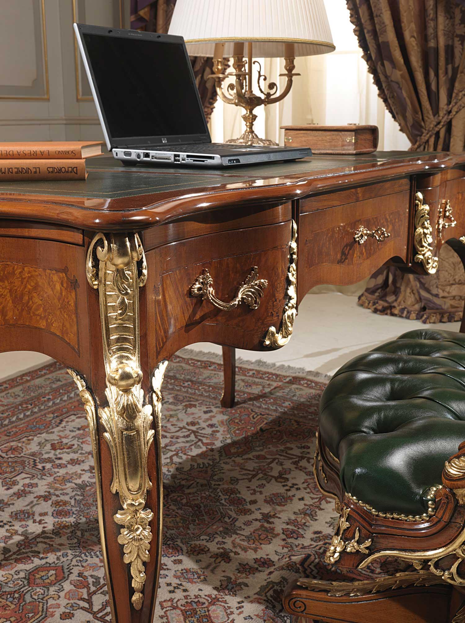 Scrivania In Stile Luigi XV Particolare Vimercati Meda #955F36 1500 2012 Sale Da Pranzo Classiche Bianche