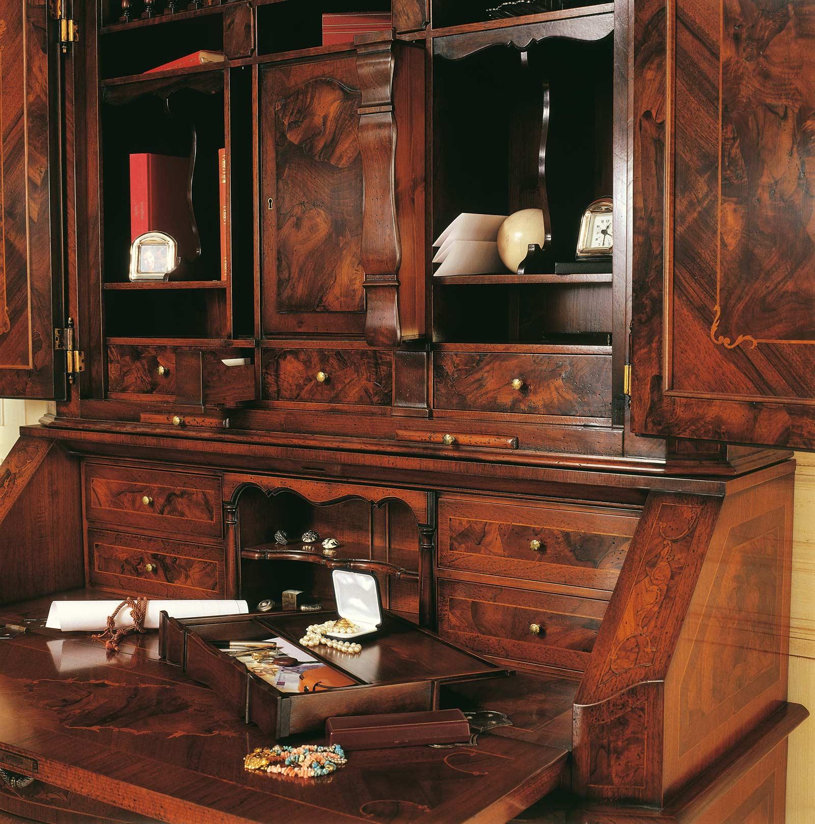 Collezione mobili classici in stile 700 lombardo, bureau con scrittoio  Vimercati Meda