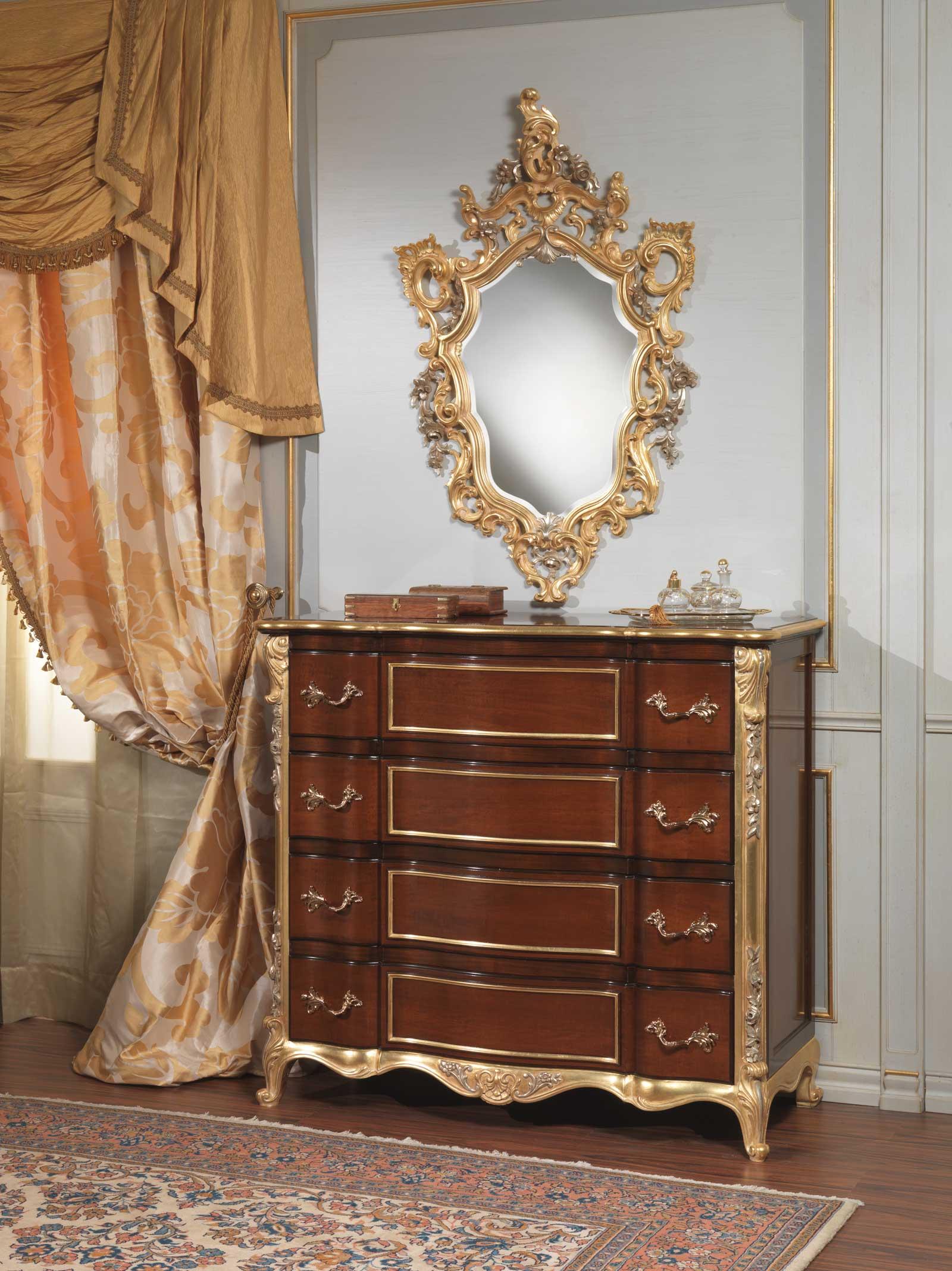 Camera da letto classica 700 italiano, comò e specchiera  Vimercati ...