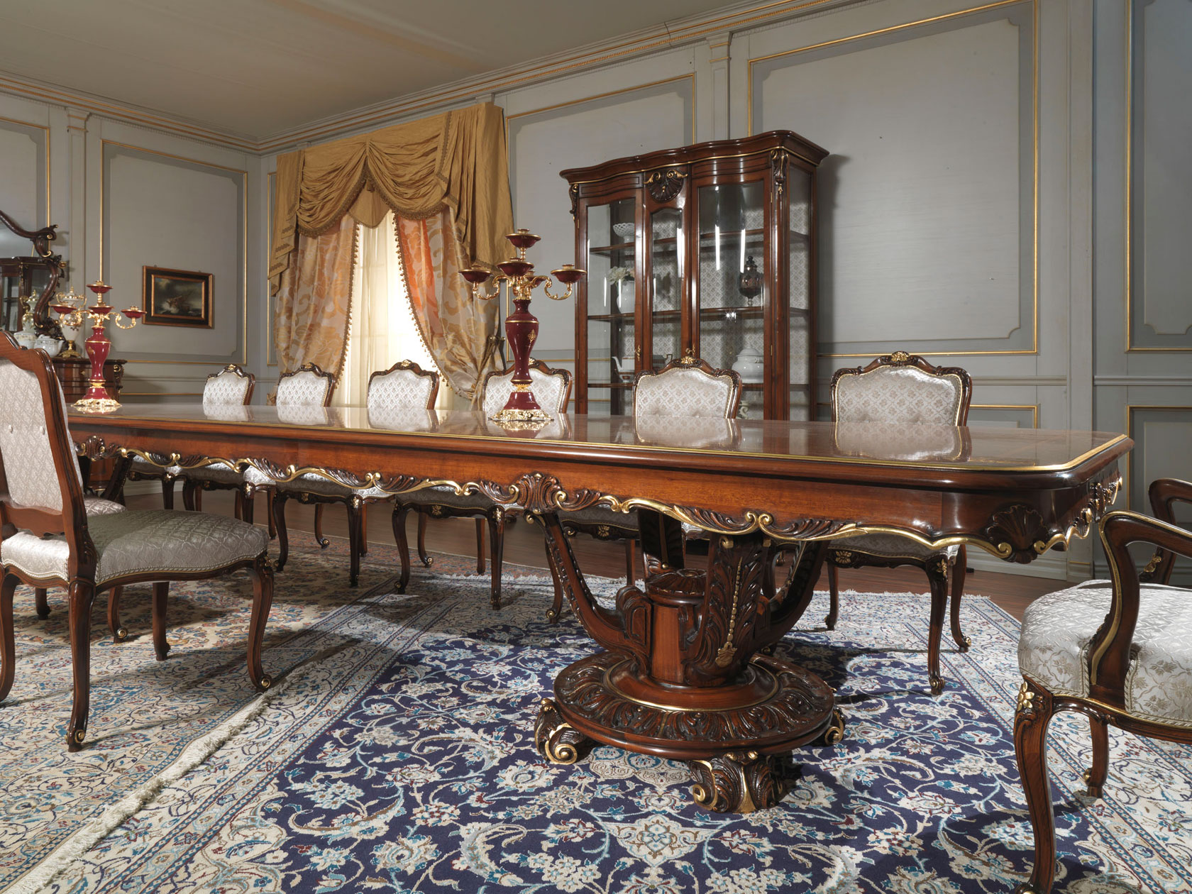 Tavolo e vetrina intagliati in stile luigi xv vimercati meda for Vimercati meda