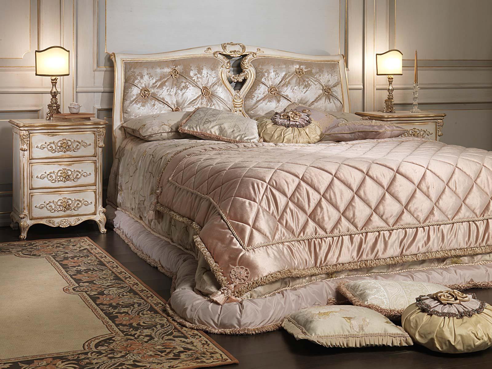 Camera da letto classica in stile luigi xvi letto con testata capitonn e comodino in legno - Camera da letto luigi filippo ...