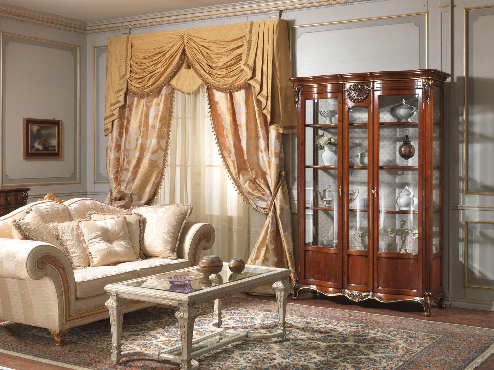Salotto con vetrina luigi xv vimercati meda for Tavolino con vetrina