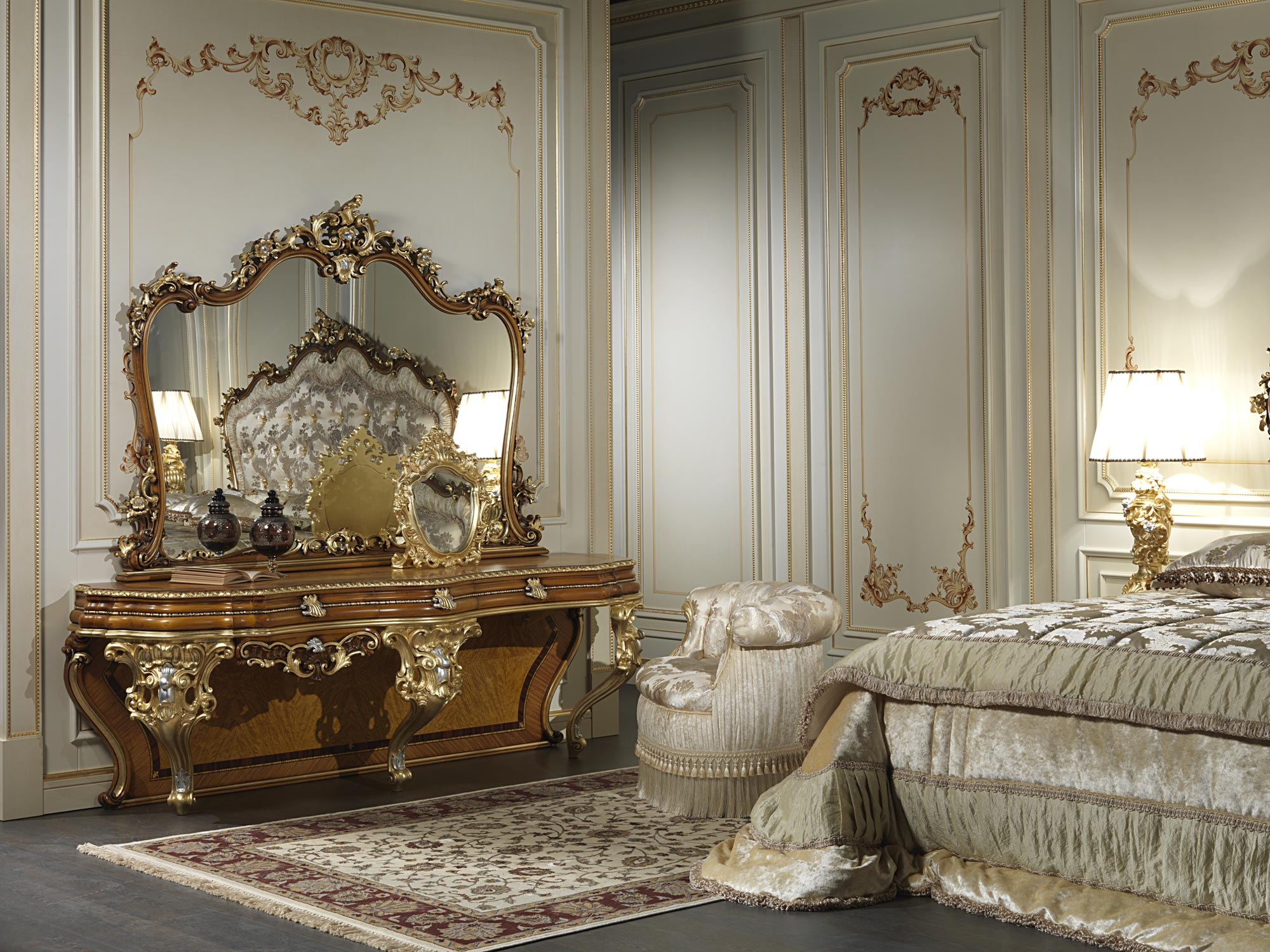 specchio da camera classico barocco art 2013 vimercati meda. Black Bedroom Furniture Sets. Home Design Ideas