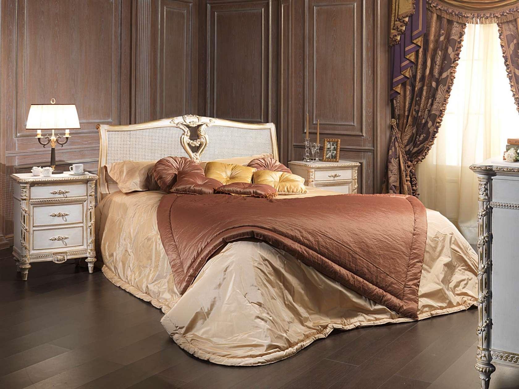 Letti A Baldacchino Per Cani : Camera da letto in stile luigi xvi letto in legno intagliato con