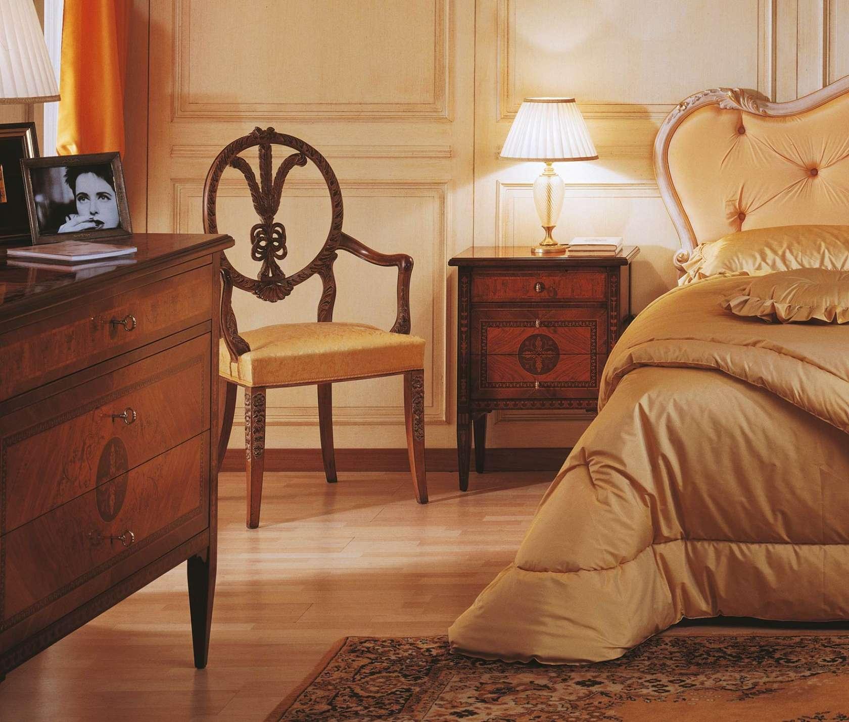 Camera da letto classica in stile I Maggiolini, letto ...