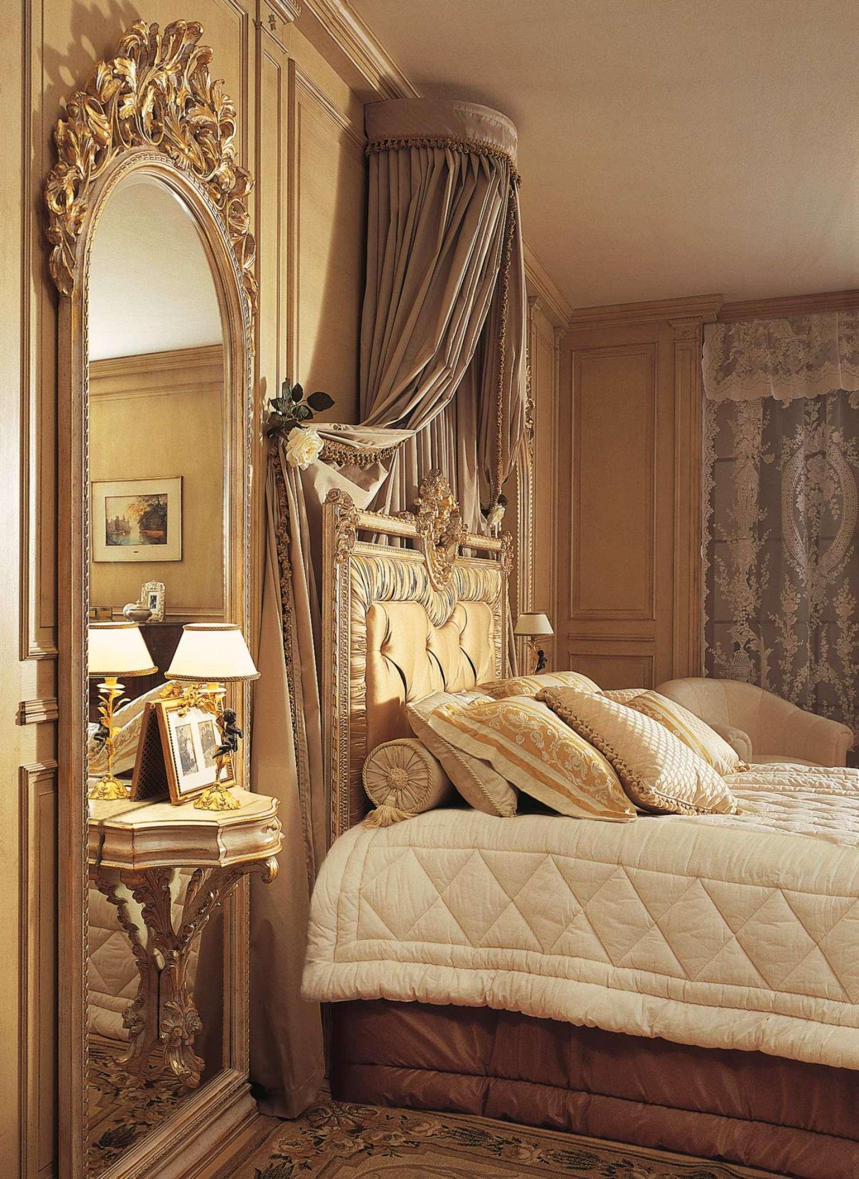 Camera da letto classica louvre specchiera con comodino - Camera letto classica ...