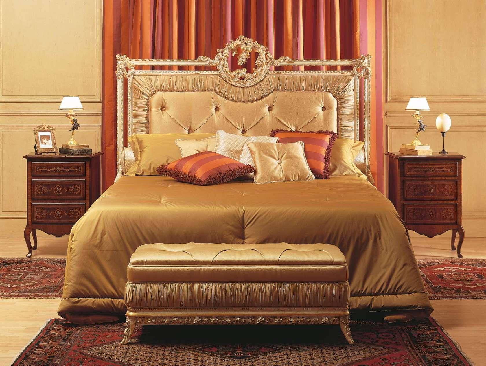 Camera da letto Louvre, letto, panca, comodini in noce ...