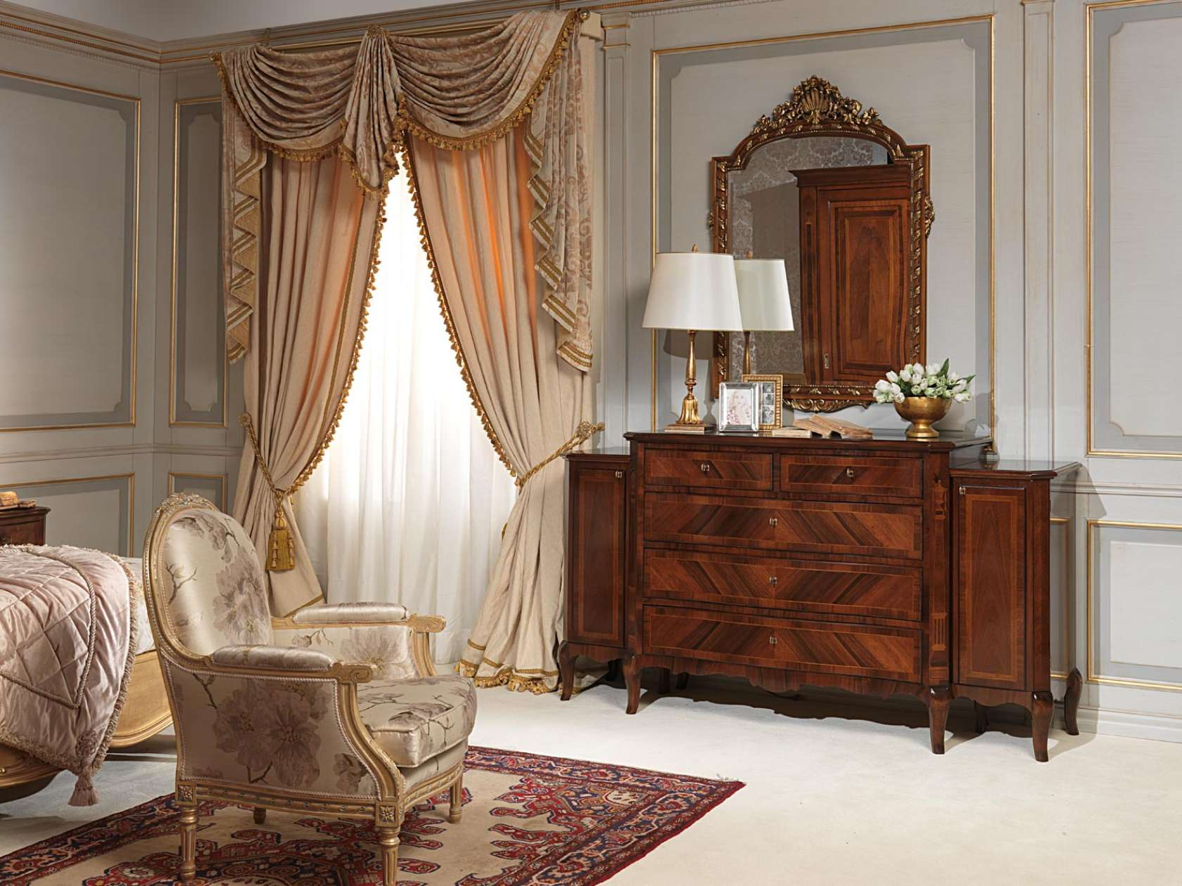 Camera da letto 800 francese, comò in noce, specchiera e poltroncina ...