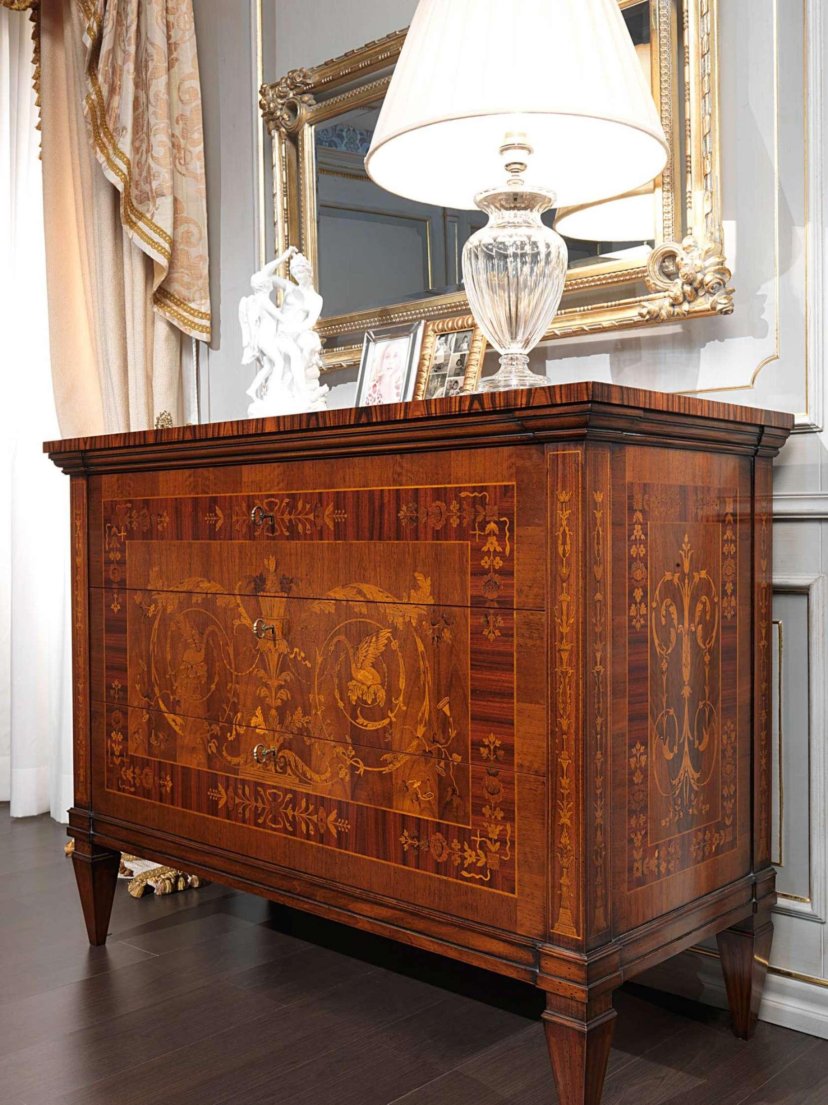 Camera da letto classica i maggiolini com intarsiato for Como x camera da letto