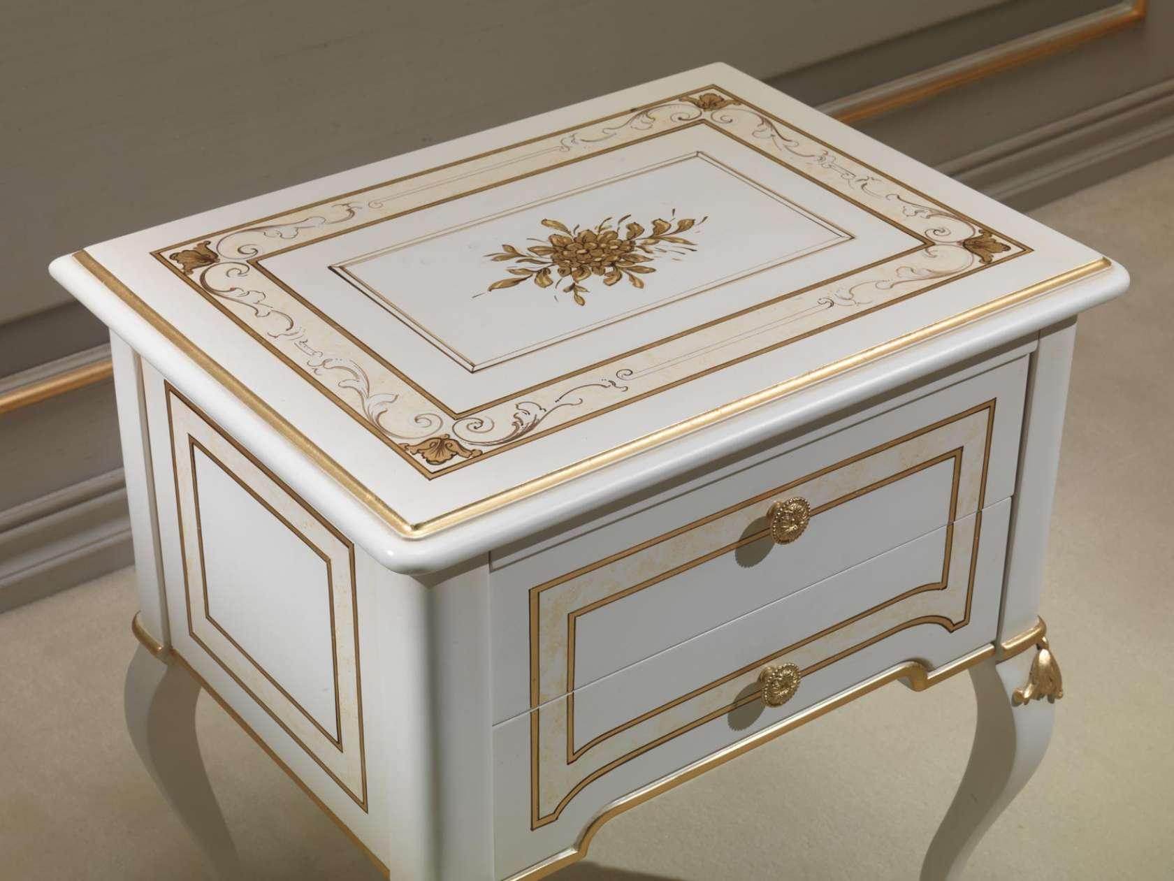 Camera da letto classica rubens in stile 700 francese comodino laccato vimercati meda - Camera da letto in francese ...