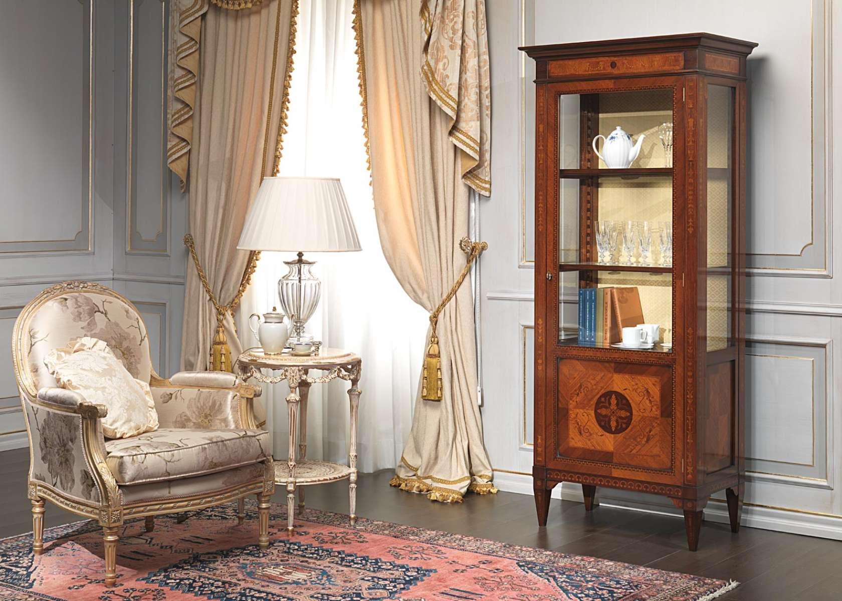 Vetrina in stile maggiolini vimercati meda for Case arredate classiche