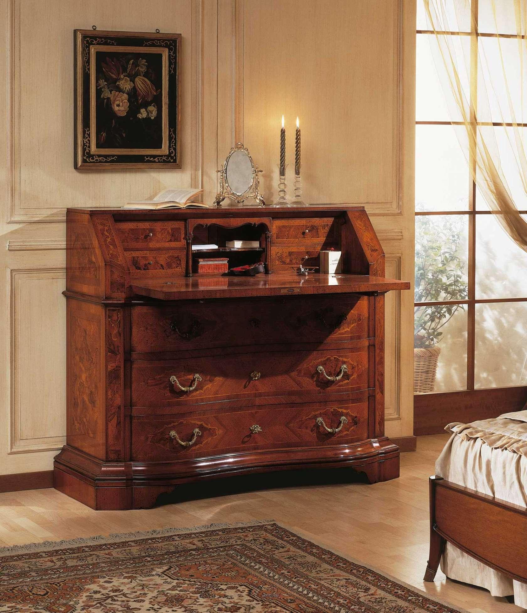 Collezione mobili classici 700 lombardo trumeau in legno di noce vimercati meda for Mobili classici per ingresso