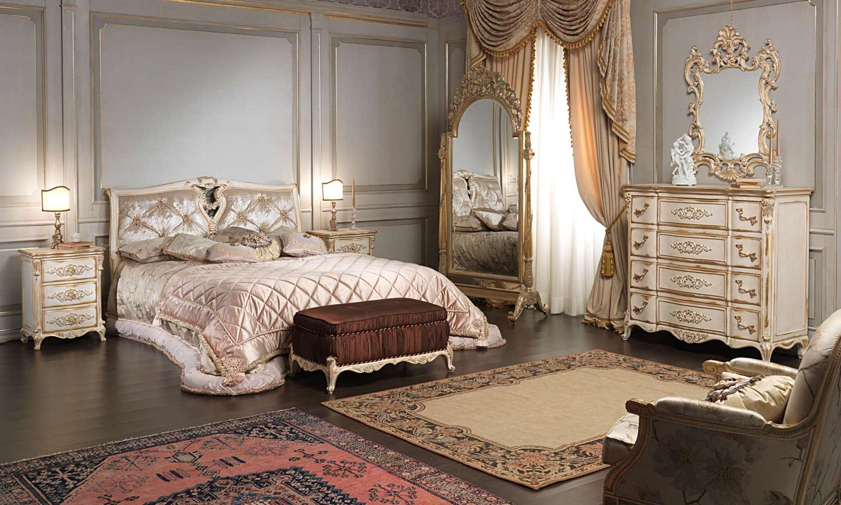 Camera da letto classica in stile Luigi XVI, letto, panca imbottita ...