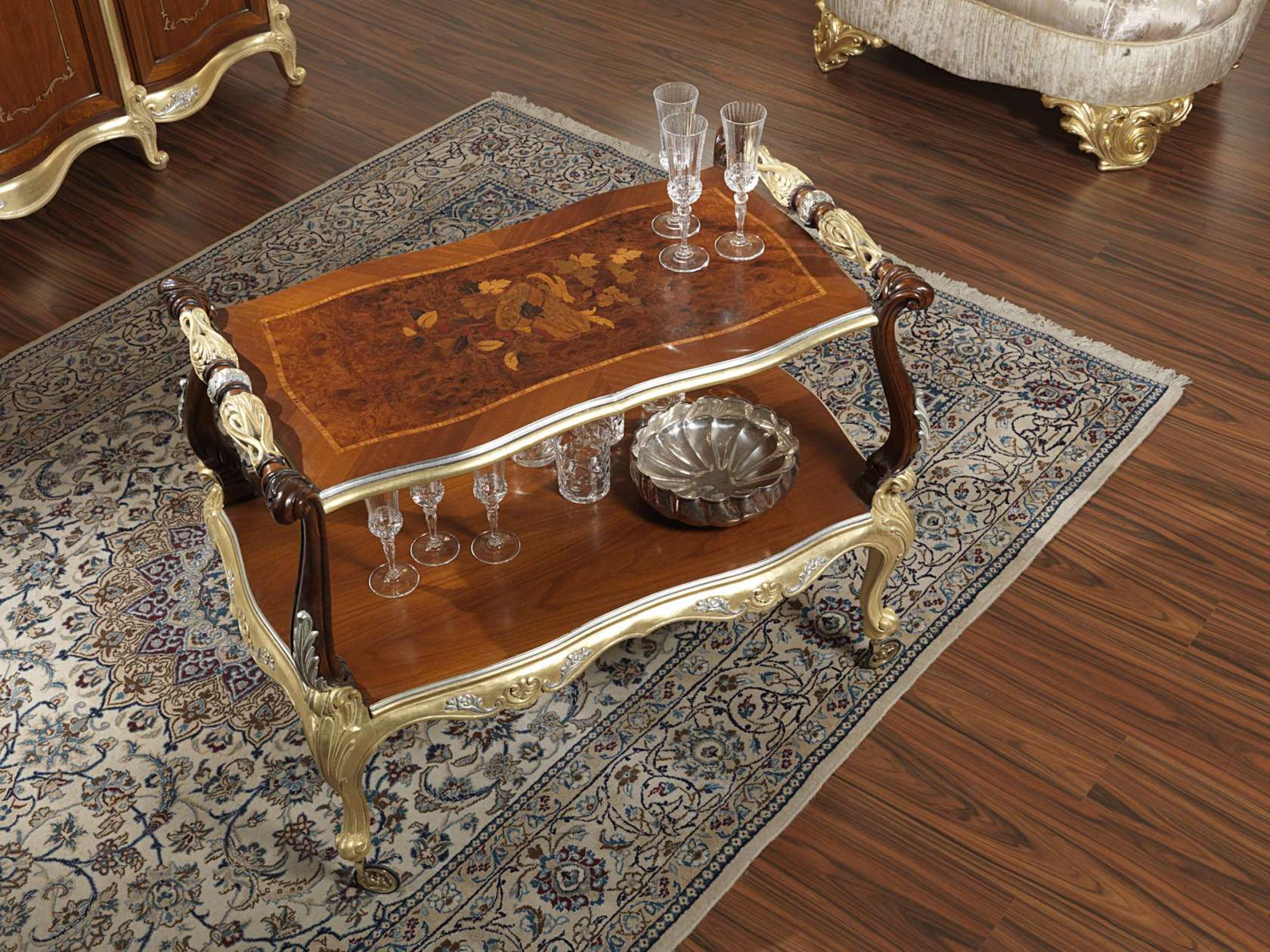 Tavolini Da Salotto In Stile Classico.Tavolino Classico Da Sala Con Ruote Vimercati Meda