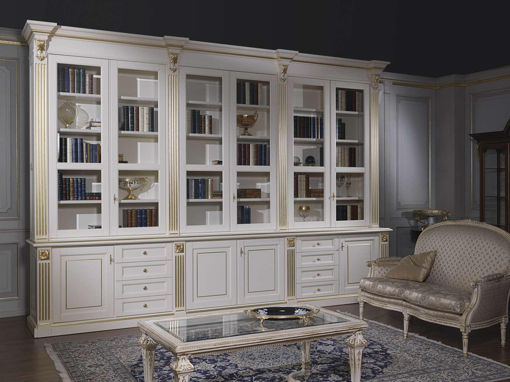 Soggiorno classico una grande libreria di lusso for Mobili di lusso outlet