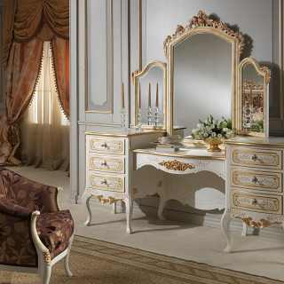 Dressing table with mirror, classic style, Louvre luxury collection. patinated ivory finish and gold details