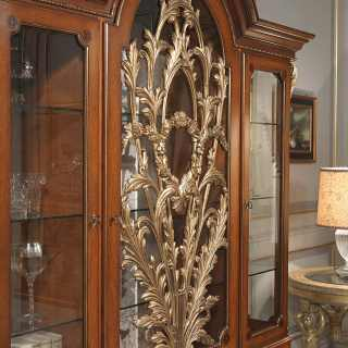 Carved classic glass showcase, Luigi XVI style. Made of myrtle briar, walnut and gold leaf finish. Versailles classic luxury furniture collection