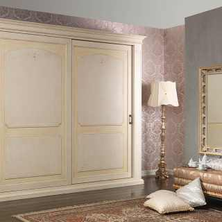 Classic style wardrobe, anticated lacquered finish, Botticelli collection