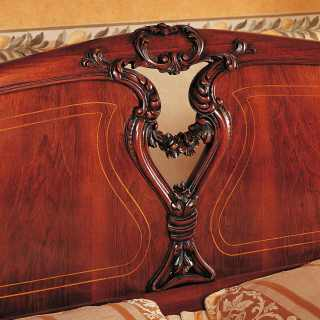 700 siciliano classic bed with carvings