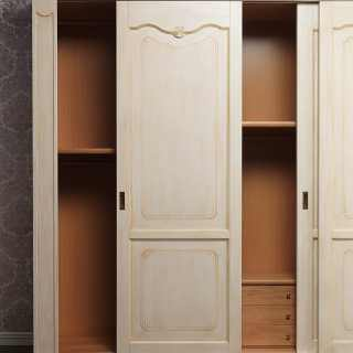 Classic wardrobe Provenza: view of the sliding doors and of the inner equipment. Made in Italy
