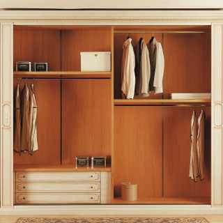 Classic wardrobe Canova: inner equipment with lacquered and decorated drawers unit