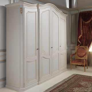 Classic wardrobe Settecento collection, four doors, ivory finish and golden details and carvings