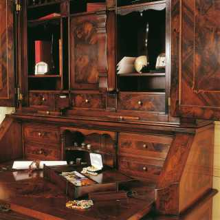 700 lombardo collection: luxury walnut trumeau classic style, detail of the writing desk