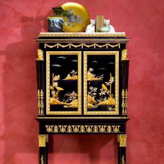 China black lacquered little cabinet, Luigi XV style, gold leaf details, marble top