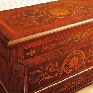 I Maggiolini classic luxury collection: chest of drawers inlayed, walnut antique finish