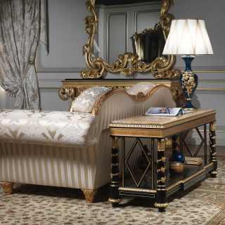 Étagère in legno laccato con intagli dorati eseguiti a mano, collezione Chinoiserie