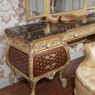 Toilette di lusso in stile Luigi XV