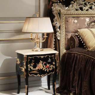 Comodino in stile Luigi XV della collezione Chinoiserie, laccato e decorato