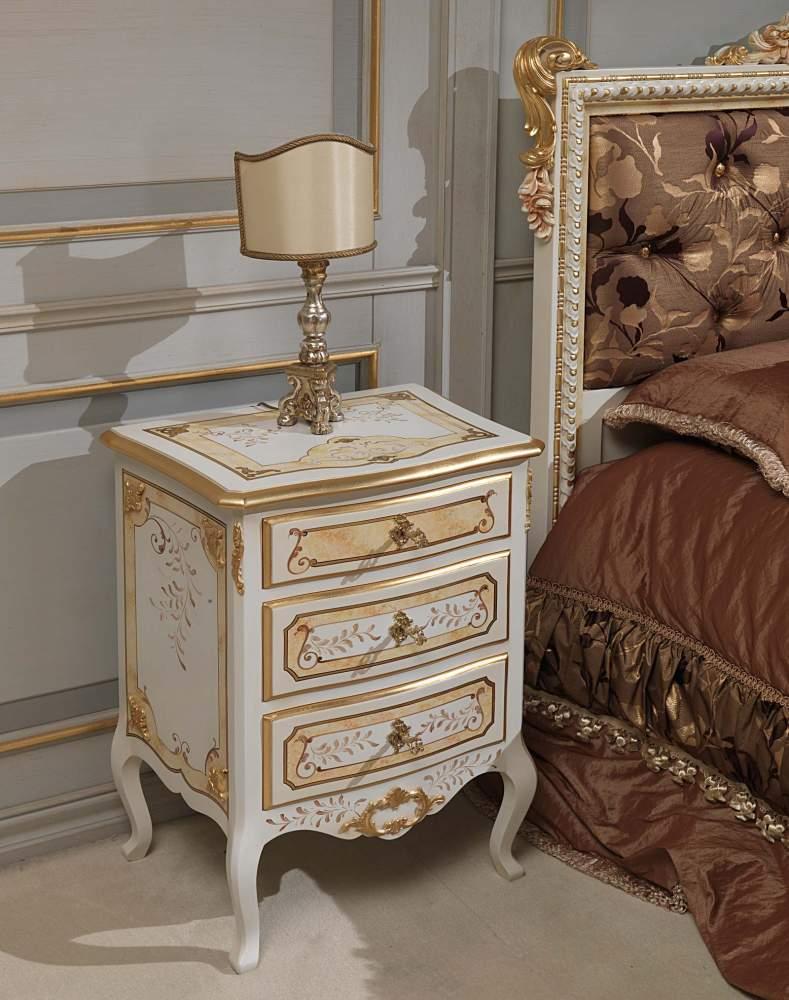 Camera da letto classica Louvre, comodino avorio e oro | Vimercati Meda