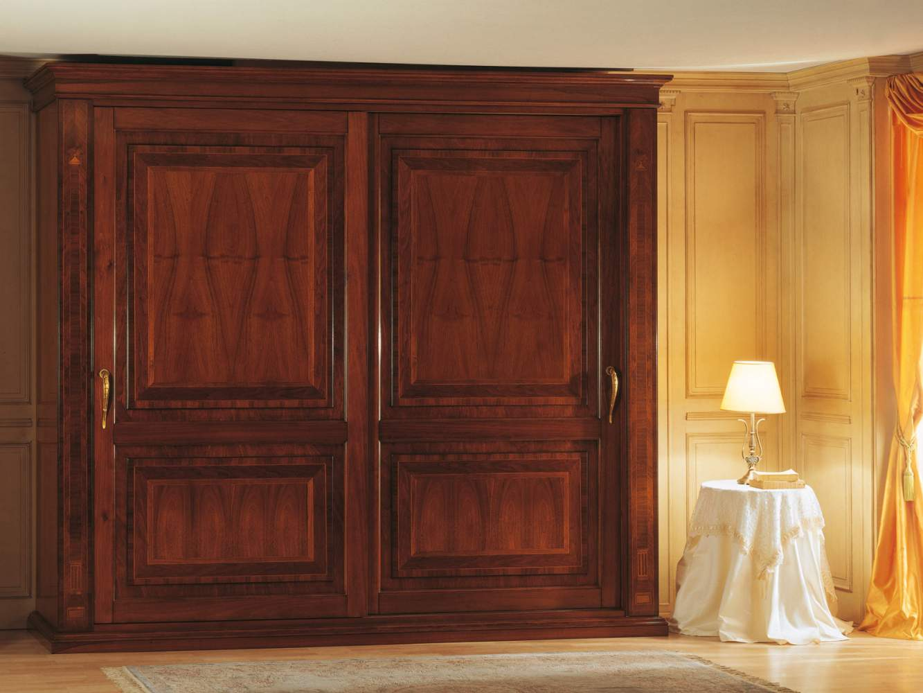 Camera da letto 800 francese, armadio due ante con intarsi  Vimercati ...