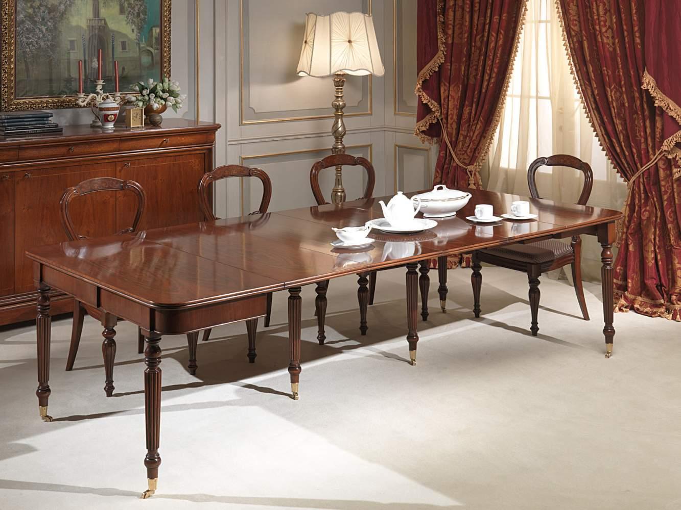 Tavolo consolle classico allungabile, completamente allungato