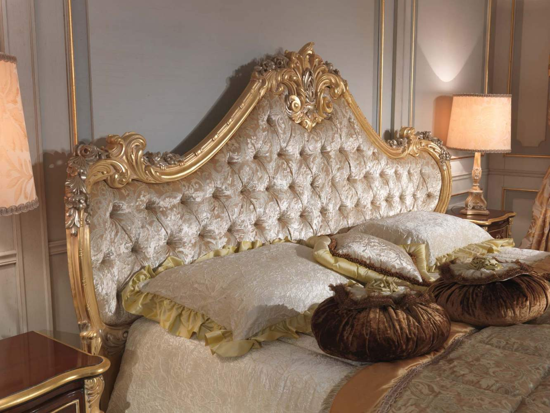 Camera da letto classica 700 italiano, letto intagliato  Vimercati ...