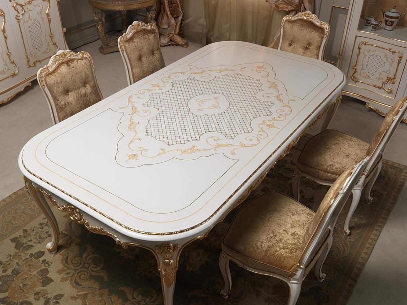 Tavolo Da Pranzo In Stile Luigi XV Con Ricchi Intagli Eseguiti A Mano  #8A6441 1333 1000 Sala Da Pranzo Luce Calda O Fredda