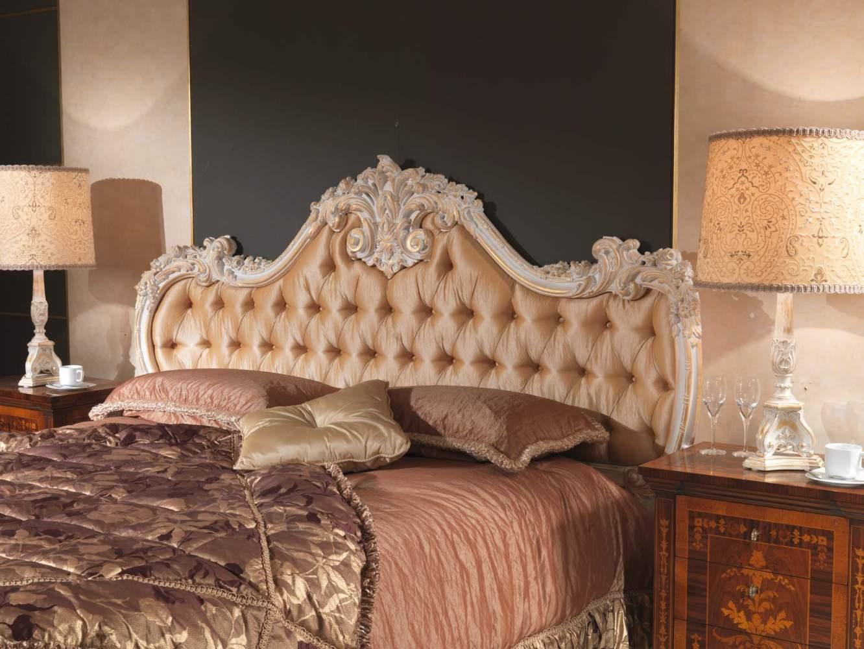 Camera da letto classica 700 italiano, letto bianco su oro  Vimercati ...