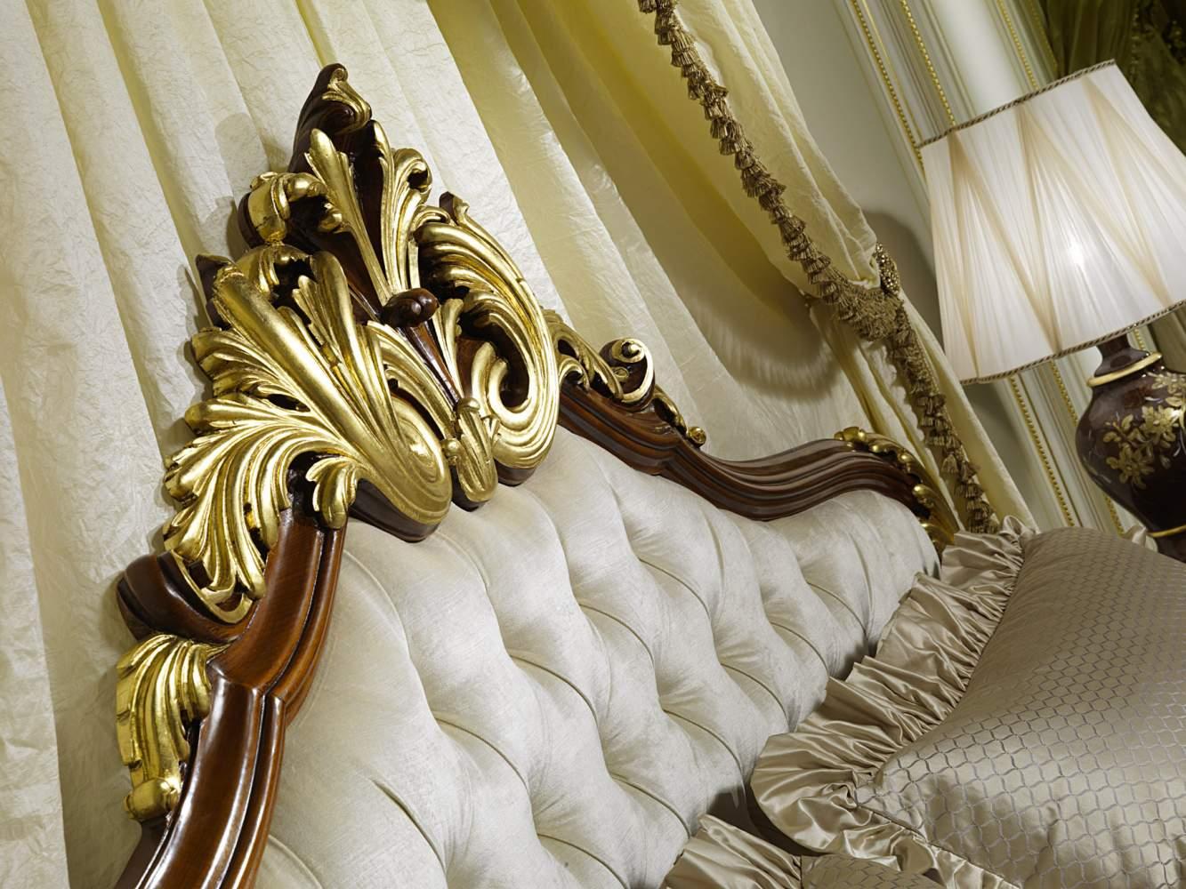 Testiera elegante del letto classico Luigi XV Francia