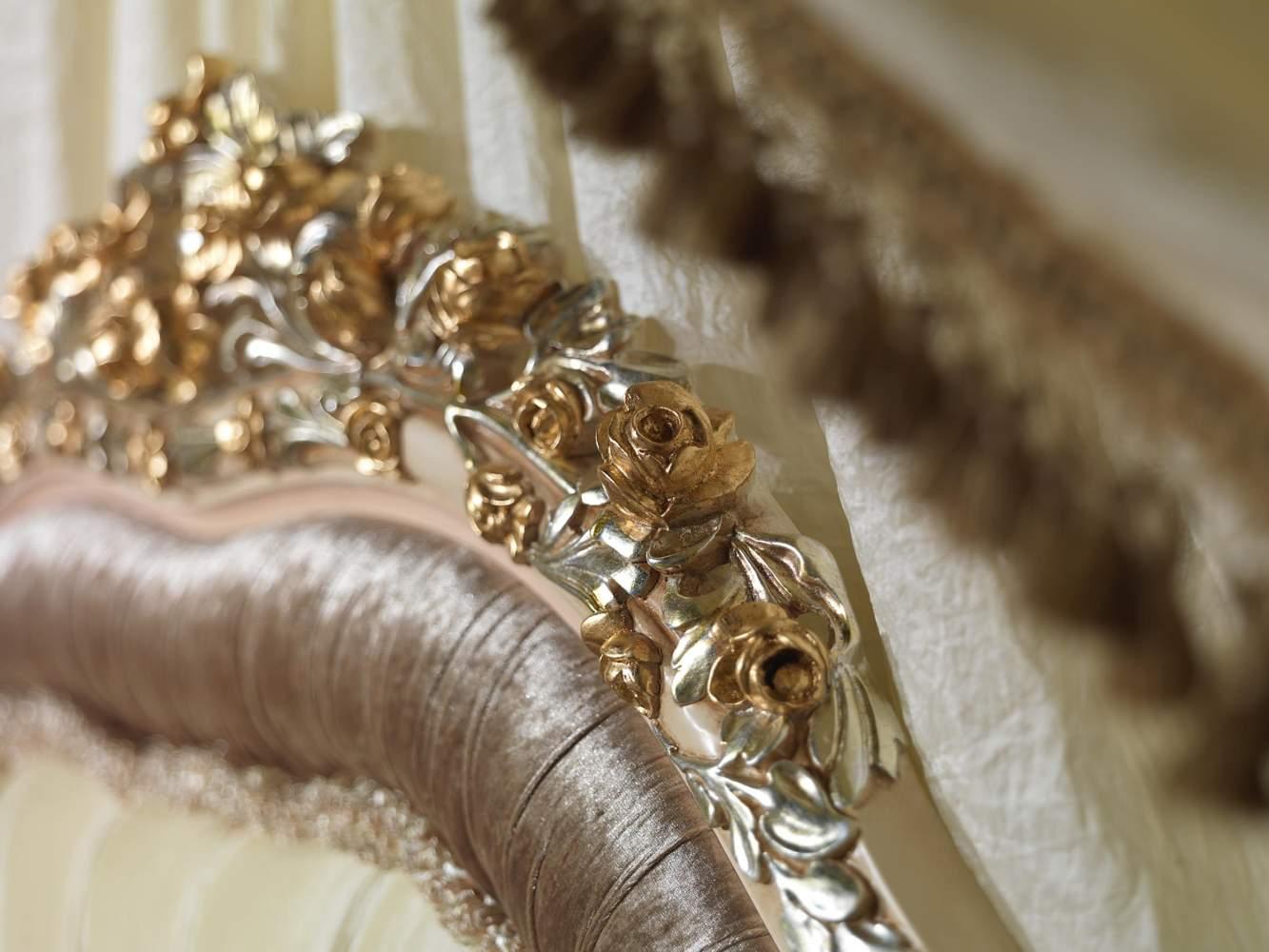 Testiera letto intagliata camera classica Louvre 943